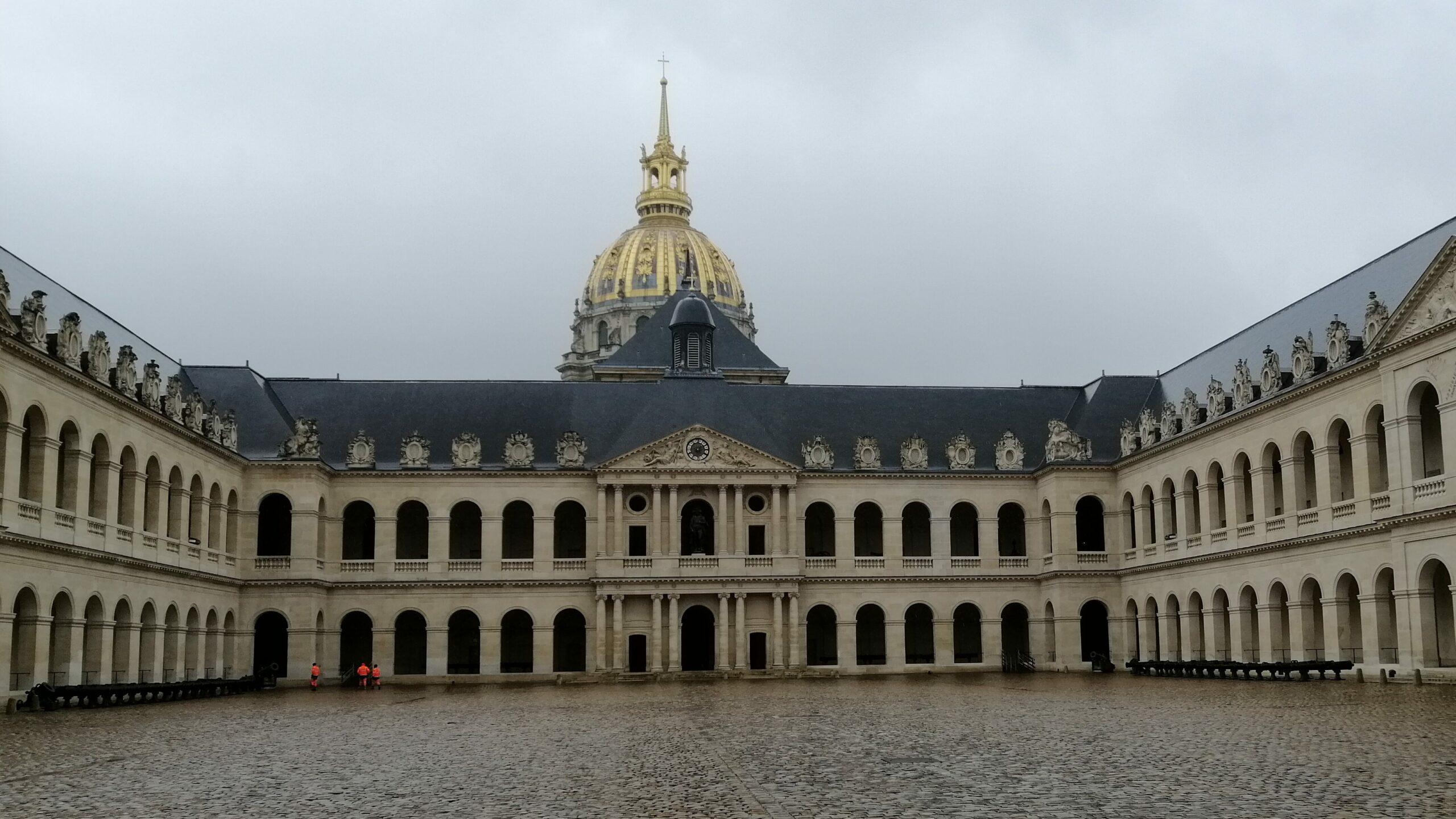 Cour d'honneur des Invalides - Aslé Conseil - Diagnostic pierres monuments historiques